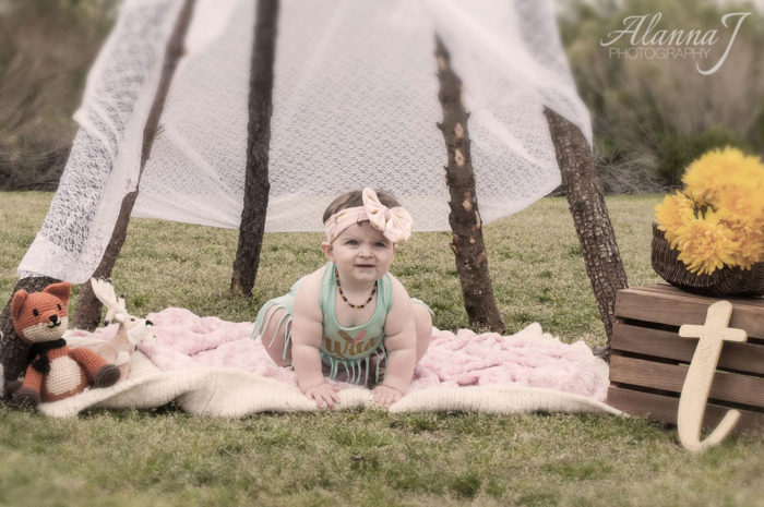 Deluxe Outdoor Portrait Session for Toddlers & Babies